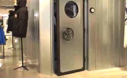 カナダグースには極寒の試着室があるという話:ZIP!【2017/11/09】
