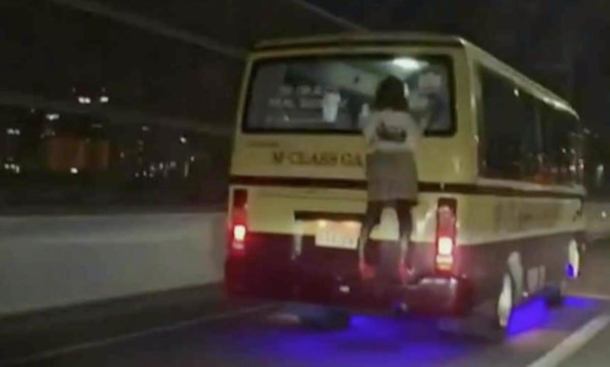 高速道路を走るバスの後ろにしがみつく人の正体は?:とくダネ!【2020/02/19】